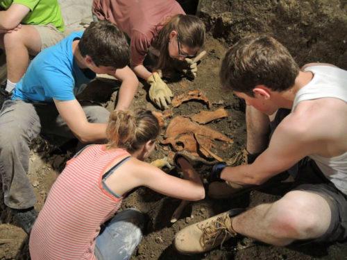 chantier-travaux-fouilles-archeologiques